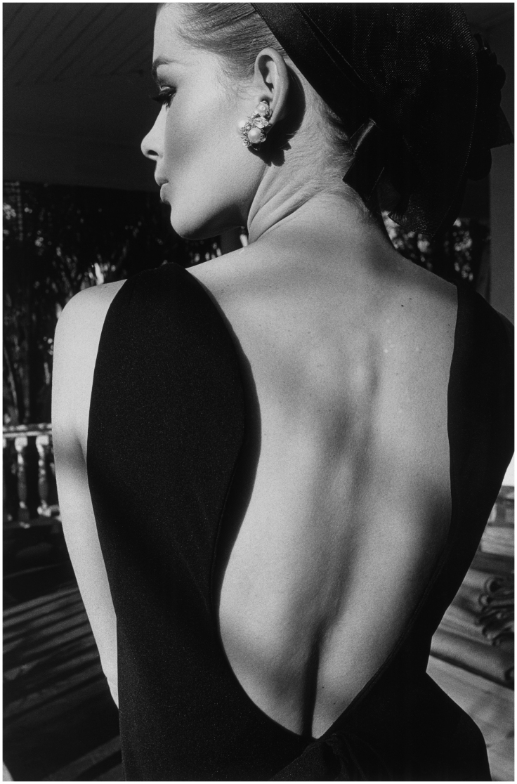 dos-dastrid-harper-1964-photo-jeanloup-sieff.jpg