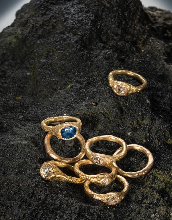 5-Alexandra-Albini-Anelli-in-18k-oro-con-zaffiro-e-diamanti
